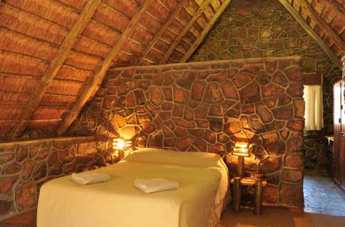 chalet-self-catering-dinokeng-game-reserve-4-sleeper