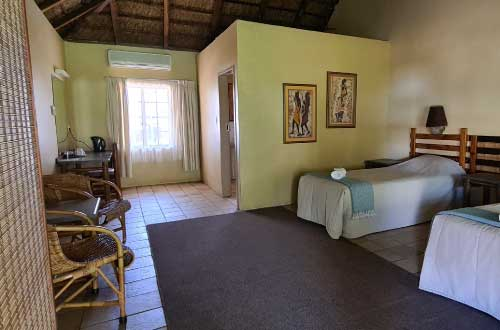 thatch-adjoining-rooms-in-dinokeng-kwalata-3-star